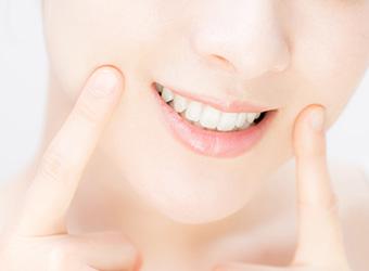 町屋メディウム歯科 見た目も美しい歯に